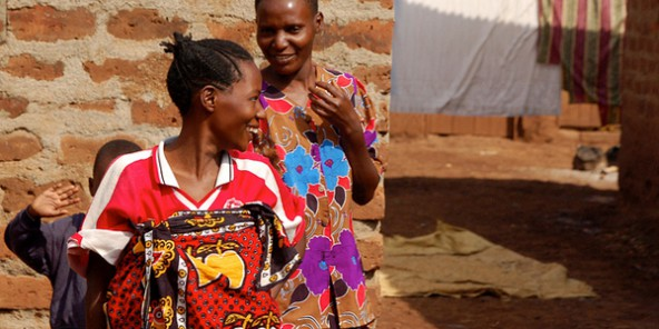 Tanzanie : pourquoi la tradition des mariages entre femmes perdure ?
