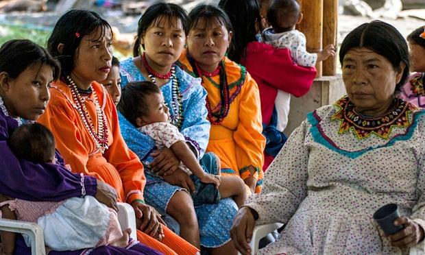 Dans la communauté Emberá, en Colombie, parler de l'excision est plus condamnable que la pratiquer