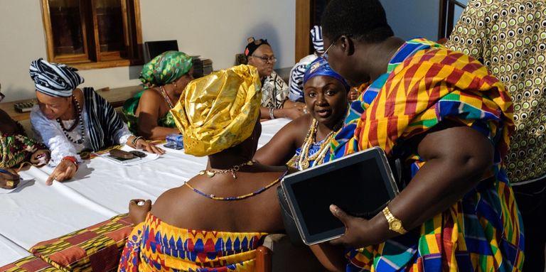 Au Ghana, les « reines mères » reprennent le pouvoir et font bouger la société