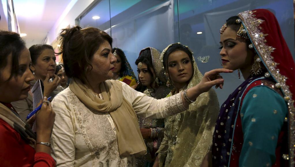 Pakistan: près de 1100 femmes victimes de «crimes dits d'honneur» en 2015