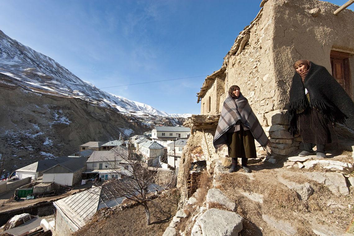 """Crimes dits """"d'honneur"""" et excision dans les montagnes du Daghestan #Russie"""