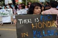 Le Parlement vote une loi sanctionnant les « crimes dits d'honneur » au Pakistan